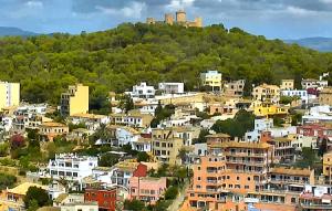 Пальма-де-Майорка с крыши торгового центра Порто Пи