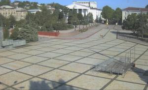 Площадь Ленина и Драм Театр в Керчи в Крыму