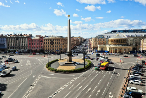 Площадь Восстания и Невский проспект в Санкт-Петербурге