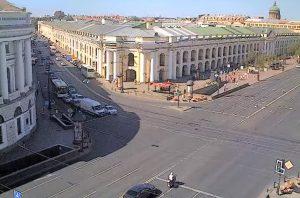 Садовая улица и Гостиный Двор в Санкт-Петербурге