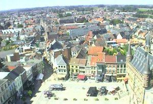 Главная площадь Дендерлеу в Бельгии