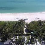 Пляж в Майами-Бич из отеля Alexander Ocean Front