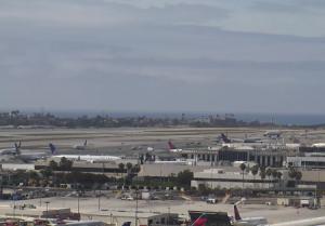 Панорама международного аэропорта Лос-Анджелеса в штате Калифорния