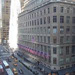 Улица Пятая Авеню на Манхэттене в Нью-Йорке