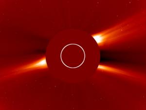 Обсерватория SOHO показывает солнечную корону