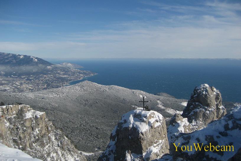 Пики горы Ай-Петри зимой