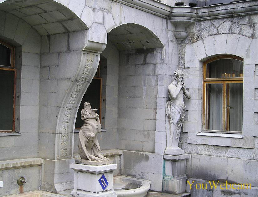 Массандровский дворец. Химера и фавн