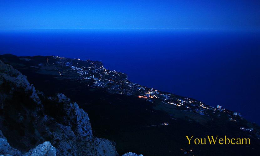 Ялта ночью. Отдых в горах Крыма