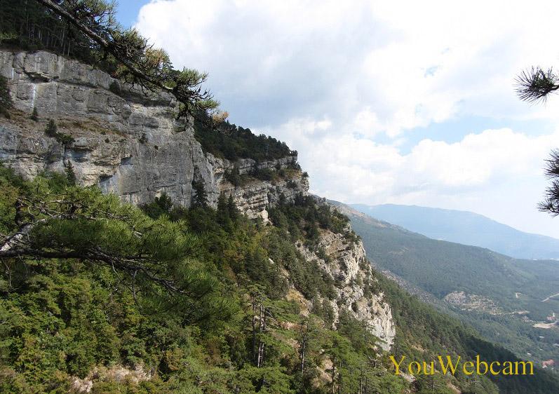 Крымский пейзаж. Вид с водопада