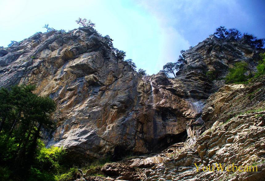 Вершина водопада Учан-Су