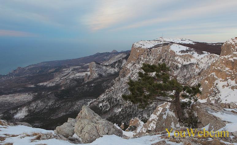 Крымские горы зимним вечером