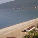 Центральный пляж в городе Гагры