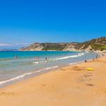 Пляж Ариллас на острове Корфу в Греции