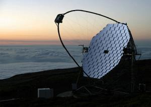 Телескоп MAGIC в обсерватории Роке-де-лос-Мучачос на острове Ла-Пальма