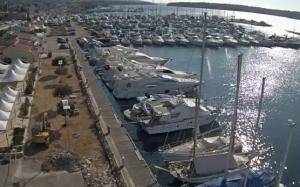 Морской порт в городе Пунат в Хорватии