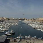Старый морской порт в центре Марселя