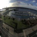 Морской порт в городе Понта-Делгада на острове Сан-Мигел в Португалии