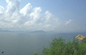 Вид на остров Тунг-Лунг-Чау с острова Ваглан в Гонконге