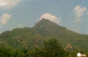 Гора Аруначала в Тируваннамалай в Индии