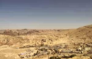 Горы и древний город Петра в Иордании