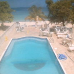 Большой бассейн отеля CocoLaPalm в Негрил, Ямайка