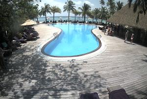 Бассейн на острове Куреду на Мальдивских островах