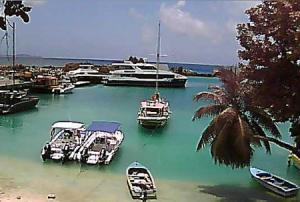 Гавань на острове Ла-Диг на Сейшельских островах