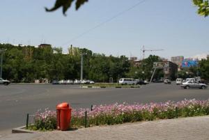 Площадь Франции в Ереване в Армении