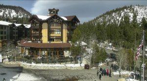 Поселок горнолыжного курорта Маммот