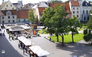Площадь Ливов в Риге в Латвии