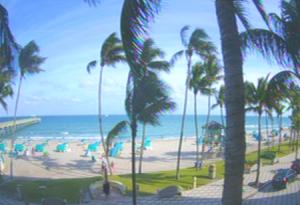 Побережье и пляж в Дирфилд Бич в штате Флорида