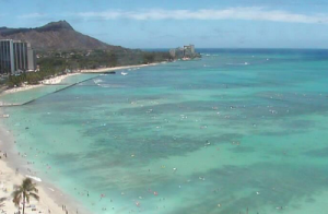 Побережье Вайкики из отеля Royal Hawaiian на острове Оаху