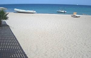 Красное море и пляж в Хургаде с серфстанции Harry Nass