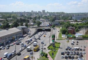 Веб камера показывает Петровку в Киеве на Украине