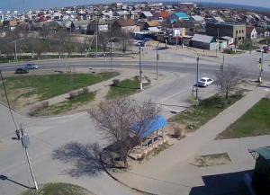 Перекресток улиц Магистральная и Московская в селе Дубовка в Волгоградской области