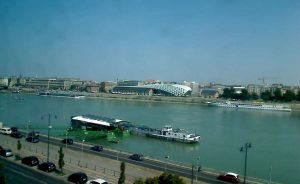 Речной причал на реке Дунай в Будапеште