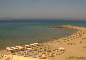 Побережье и пляж в Аркуди на Пелопоннесе из отеля Альмира