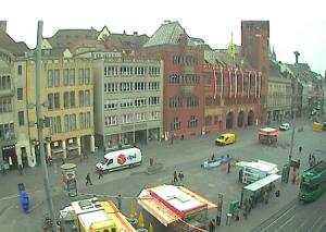 Рыночная площадь города Базель в Швейцарии