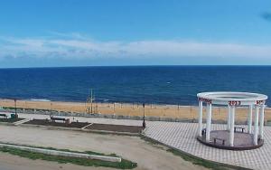 Набережная в поселке Береговое в Крыму