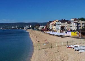 Черноморская набережная Феодосии в Крыму