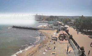 Вид на морской порт Феодосии