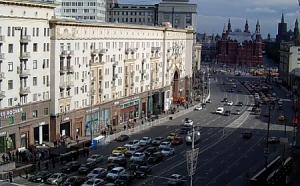 Веб камера показывает Красную Площадь в Москве