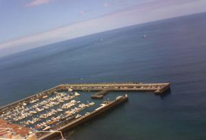 Гавань в Лос Гигантес на острове Тенерифе на Канарских островах в Испании