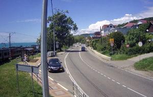Автодорога А-147 и въезд в курортный поселок Лоо Большого Сочи