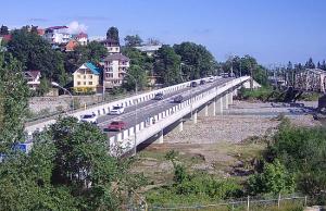 Автомобильный мост через реку Псезуапсе в Лазаревском