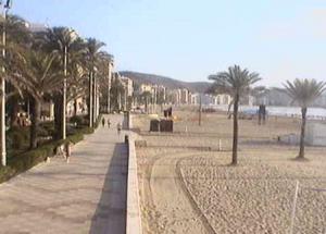 Обзорная веб камера показывает пляж Кульера в Валенсии в Испании