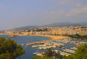 Панорама города Бланес в Каталонии