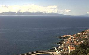 Город Кальета на острове Сан-Жоржи в Португалии