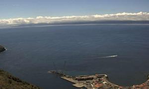 Город Велаш на острове Сан-Жоржи в Португалии