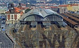 Железнодорожный вокзал в Праге в Чехии